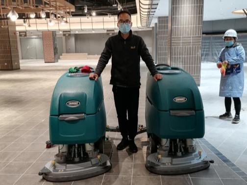 大型商场洗地机使用时要注意什么?