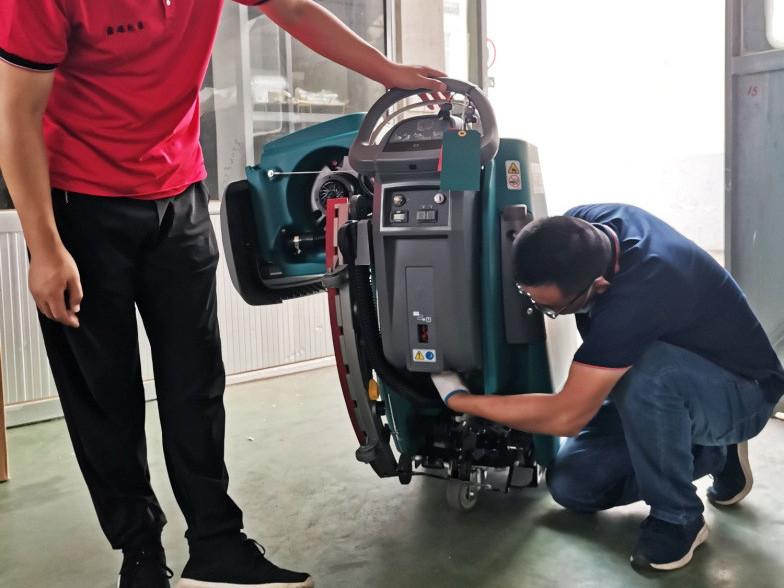 【客户案例】日照某纸制品有限公司采购坦能T300e手推式洗地机一台