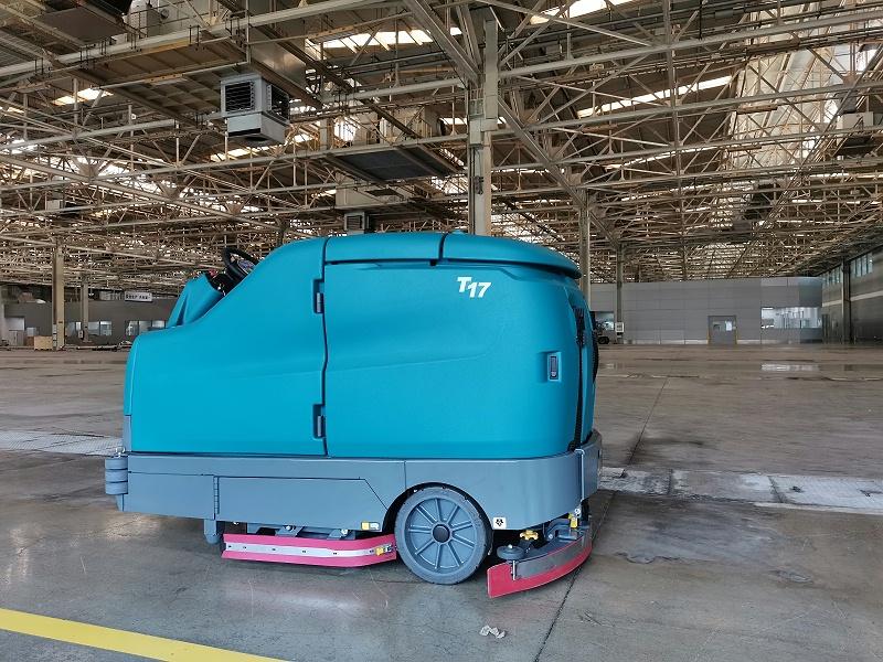 仓库驾驶式洗地机