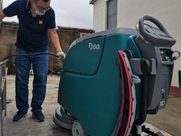 工业洗地机和商业洗地机有什么不同?