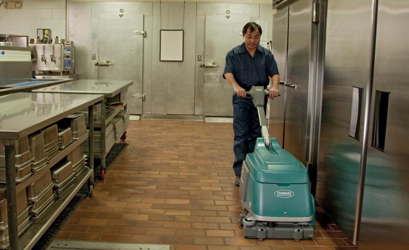 坦能手推式洗地机T1
