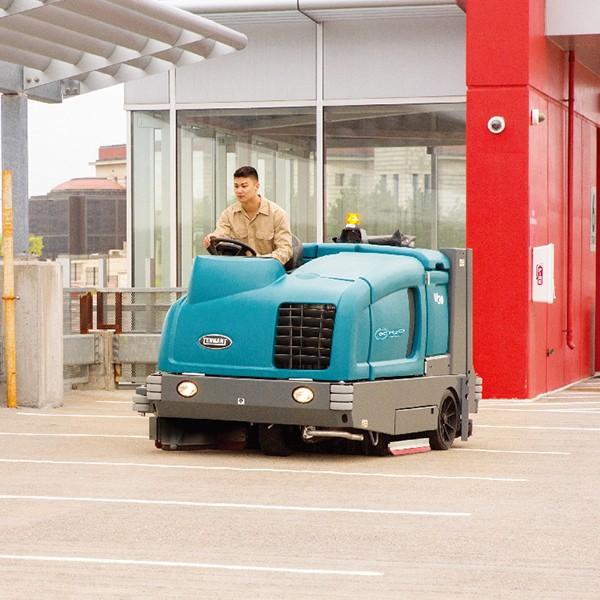 坦能大型驾驶式扫洗一体机M30