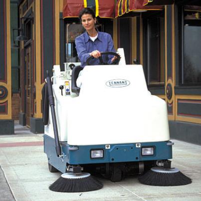 坦能驾驶式扫地机6200-4