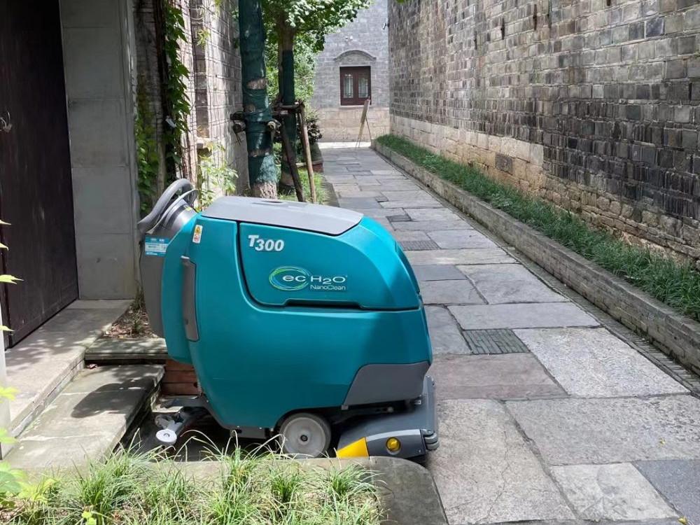 清洁员工的新宠,商用洗地机到底有多好?