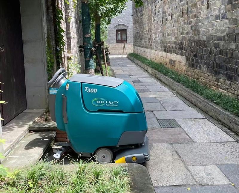 坦能洗地机